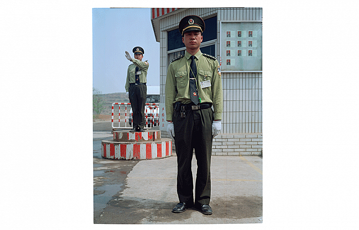 Zhen Chuanlong, Main Entry Xiaolangdi April 1999 郑传龙, 工地大门, 1999 年 04 月, 67 x 54 cm