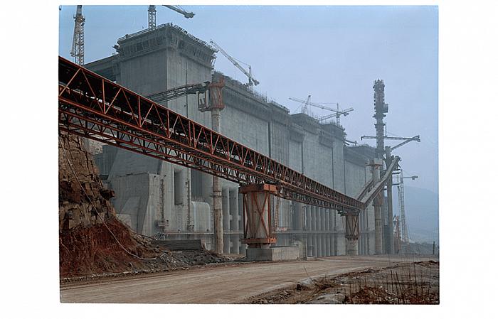 Intake, April 1999 进口, 1999 年 04 月, 107 x 133 cm