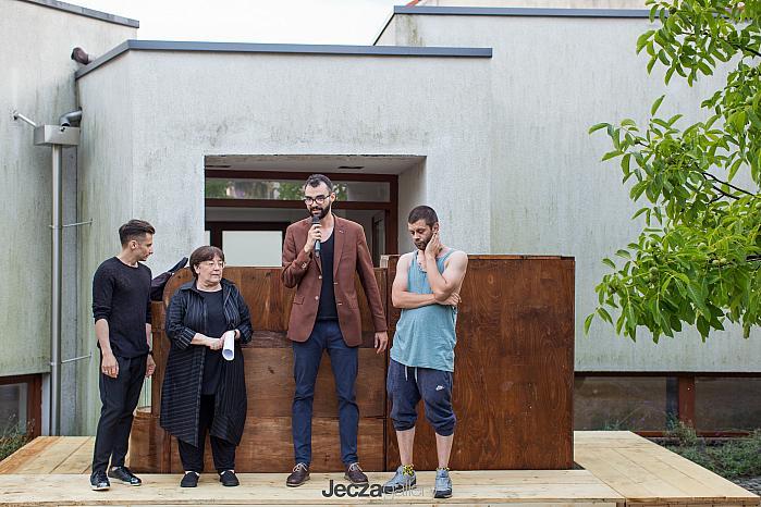 Introductory speech at the opening / Alex Mirutziu, Liviana Dan, Andrei Jecza, Dan Beudean / Installation by Dan Beudean