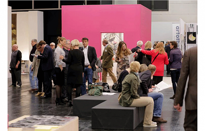 Genti Korini at Art Cologne 2014, foto: Norbert Ittermann