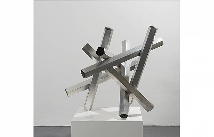 Constantin Flondor - PENTAGRAM, 1974 Aluminium 98 x 110 x 110cm